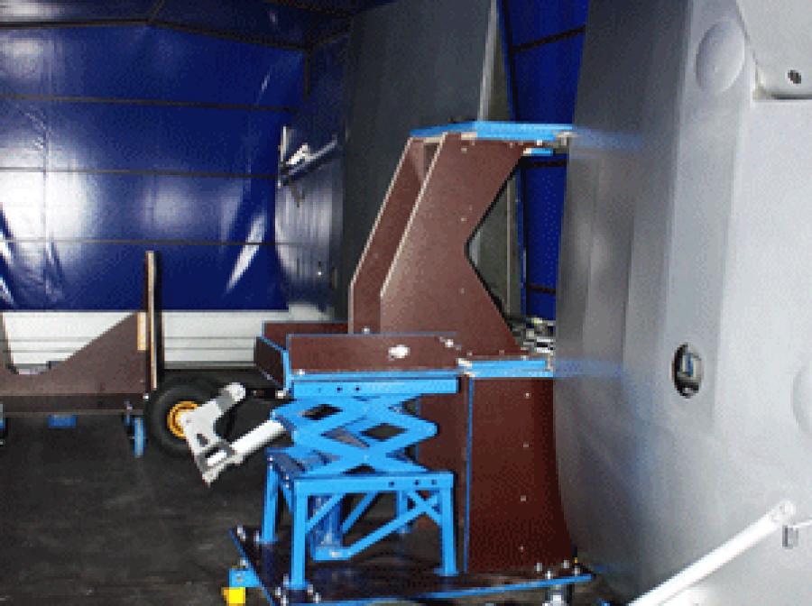 Corsair - hydraulic wing trolley - JH Aircraft