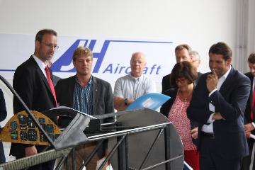 Niedersächsischer Wirtschaftsminister zu Besuch bei JH Aircraft